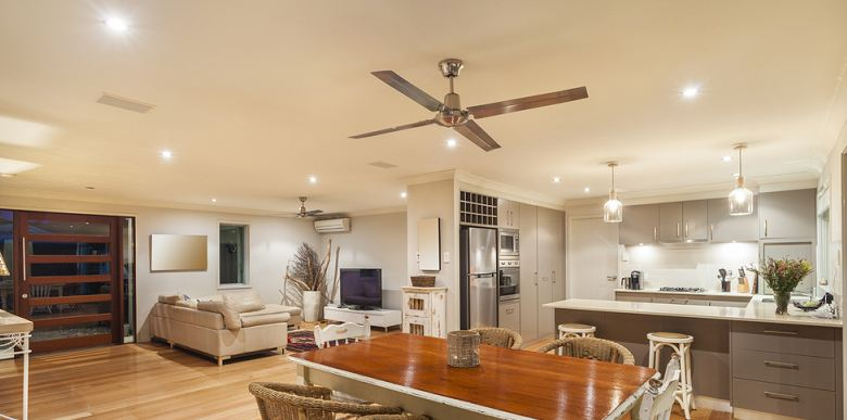 Top 6 Best Ceiling Fans For Large Rooms